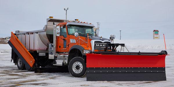 mack-granite-with-plow