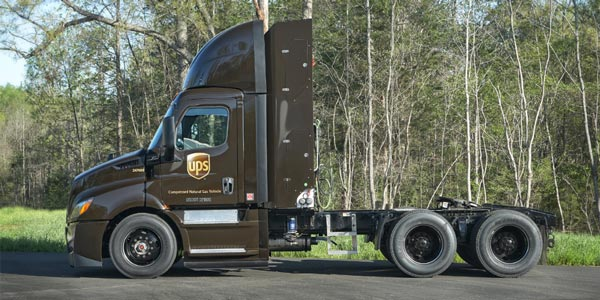 freightliner-cascadia-cng-ups
