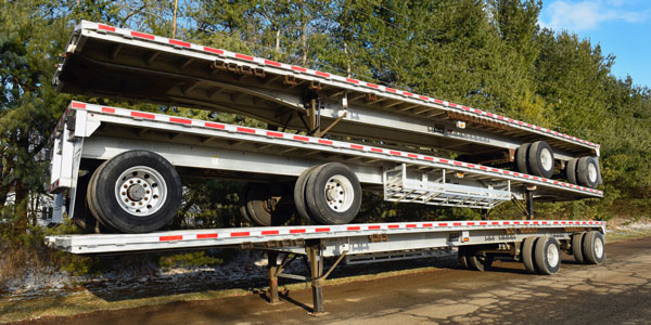 East-Used-Flatbed-Trailer-Stack