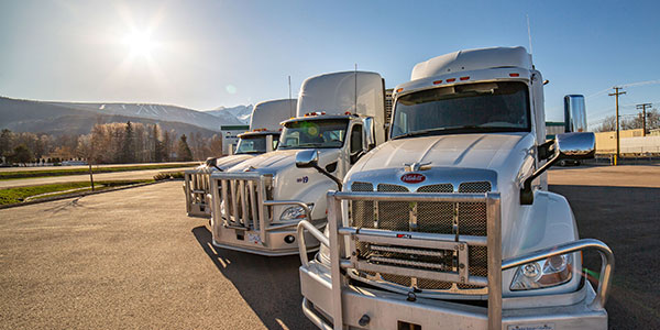Peterbilt-PacLease-Trucks