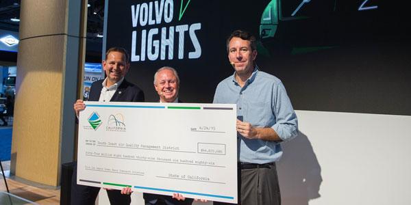 Volvo-Lights-Check