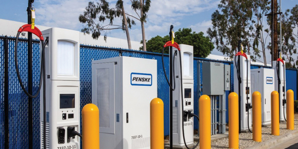 Penske_Truck_Leasing_commercial_heavy_duty_electric_vehicle_charging_station