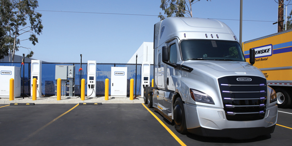Penske_Truck_Leasing_heavy_duty_electric_vehicle_charging_station-600x300