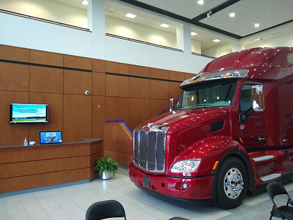 PACCAr-engine-Plant-2