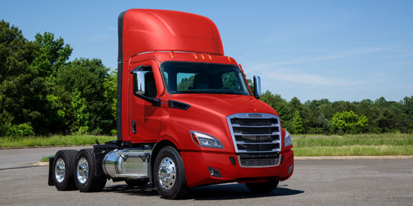 Freightliner-Cascadia-Lightest-Powertrain