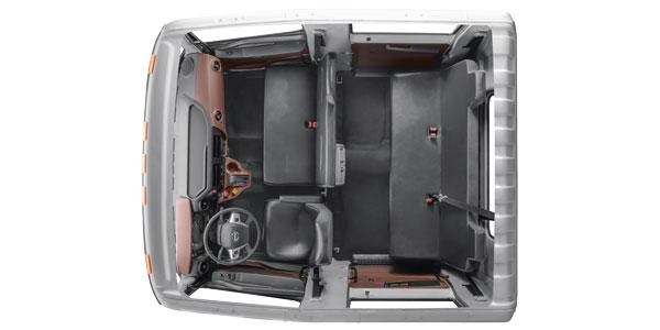 XL_Crew-Cab-Interior-Hino