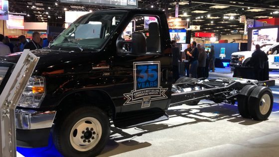 Ford-F-650-Work-Truck