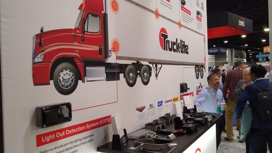 Trailer-Telematics-Options-Truck-Lite-WEB