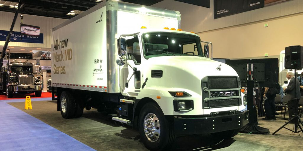 Work-Truck-Show-Mack-1