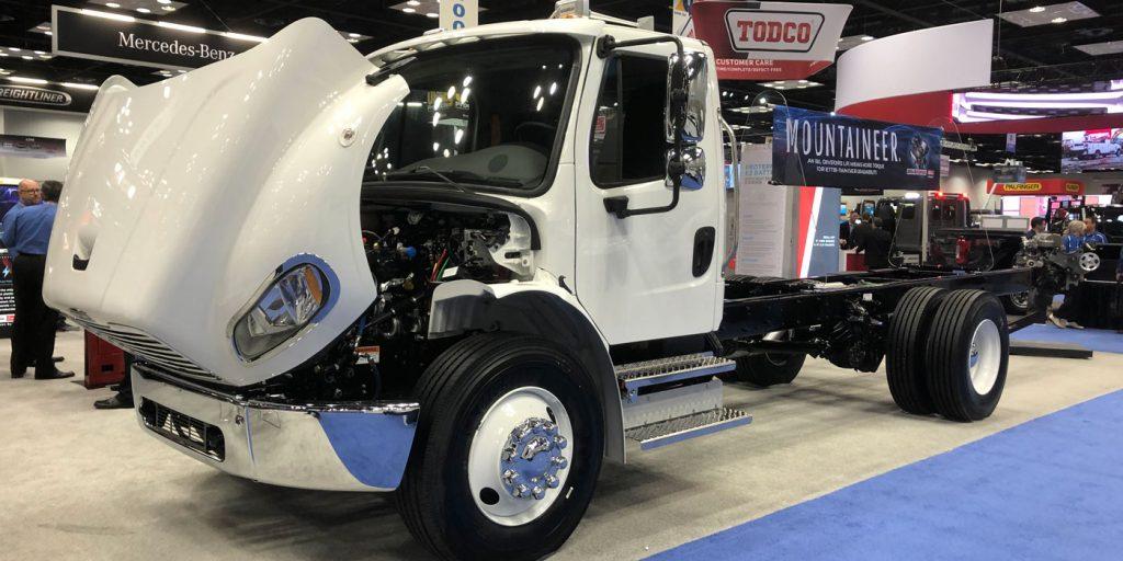 Work-Truck-Show-Mercedes-Benz-1