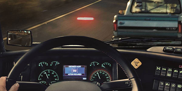 Volvo-trucks-safey-system-heads-up-display