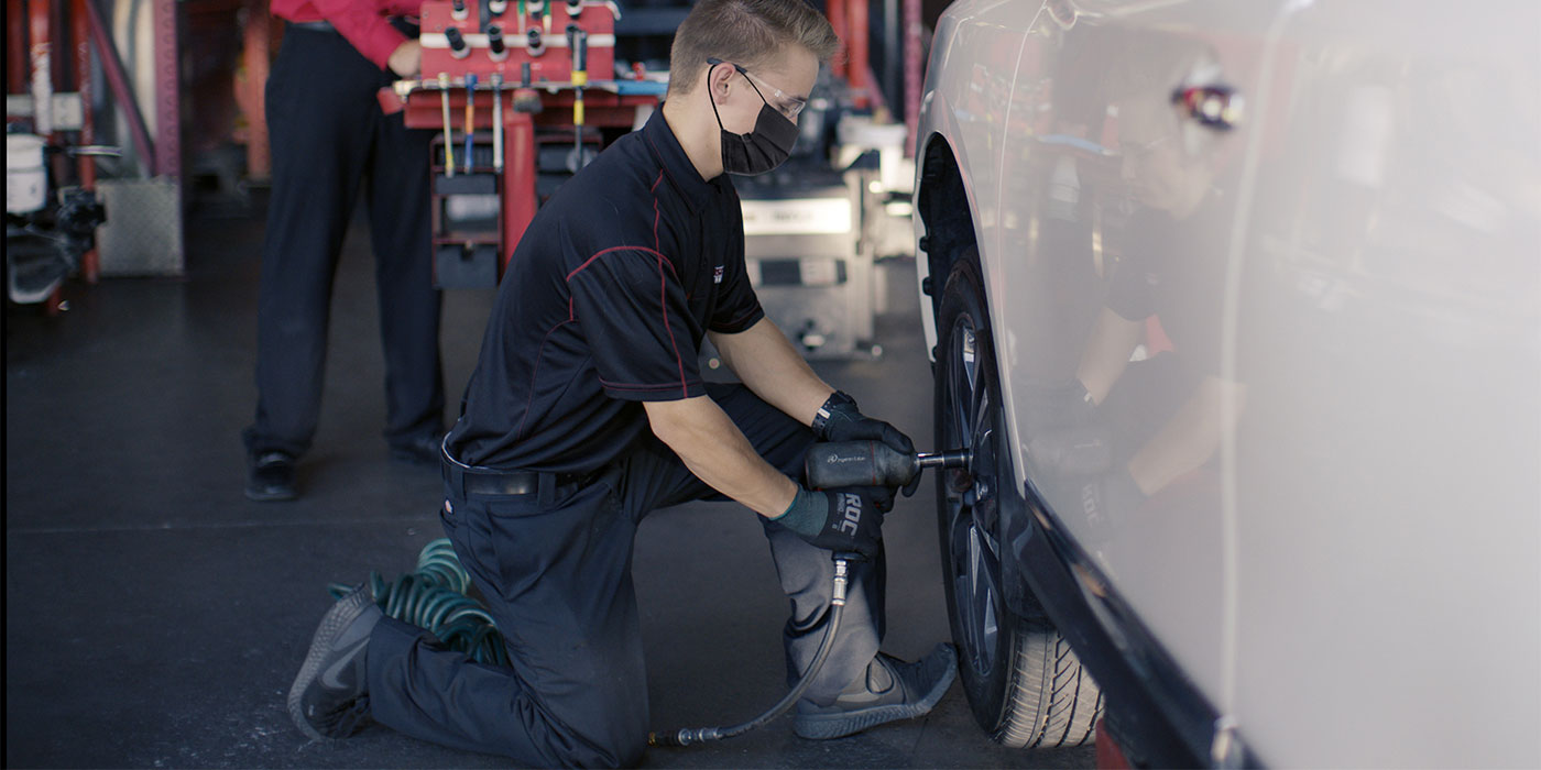 Discount-Tire-Fleet-Vehicle-Service-Program