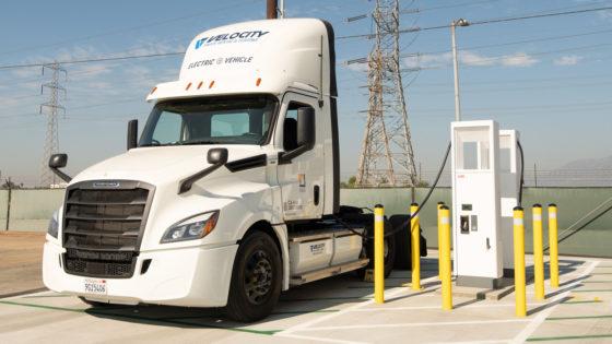 Freightliner-eCascadia-Southern-California-Edison