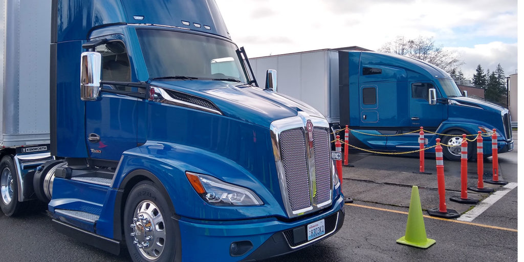 Kenworth-T680-Next-Gen-Day-Cab-Sleeper