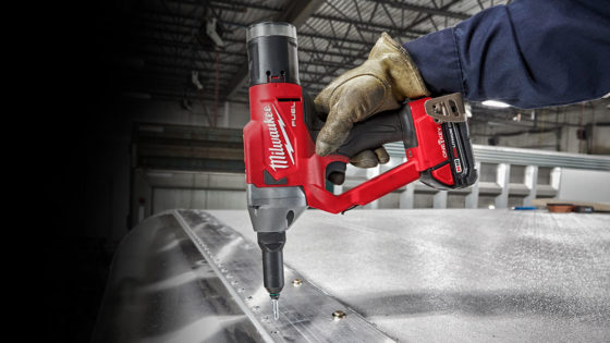 Milwaukee-Cordless-Riveting-1400