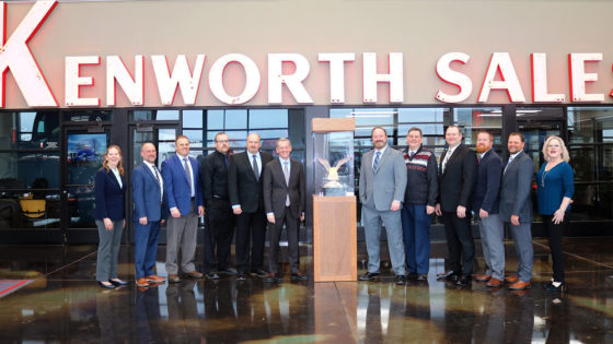 Kenworth-Dealer-of-the-Year-1400