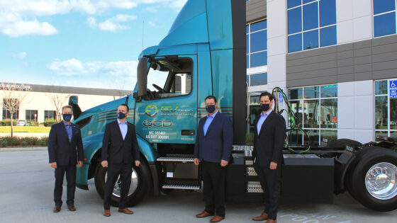 Volvo-Trucks-QCD-VNR-Electric-Handover-1400