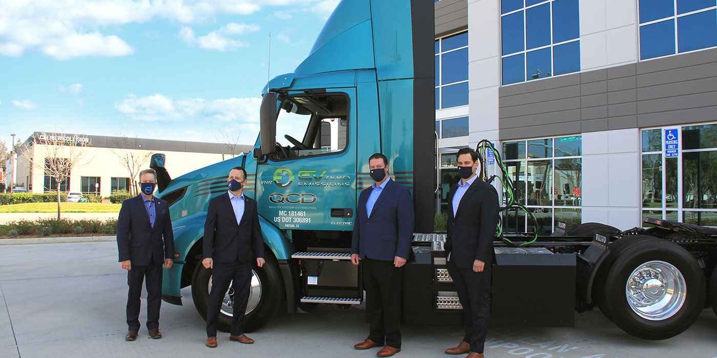 Volvo-Trucks-QCD-VNR-Electric-Handover-1400