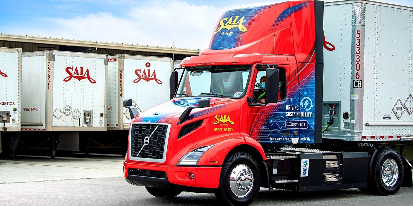 Volvo-Trucks-Saia-VNR-Electric-1400
