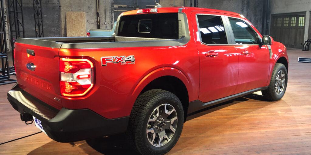 Ford-2022-Maverick-Back