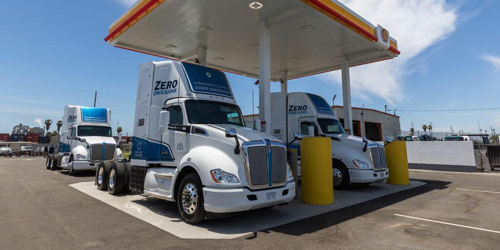 Port-of-LA-Shell-Toyota-Kenworth-Hydrogen-3-1400