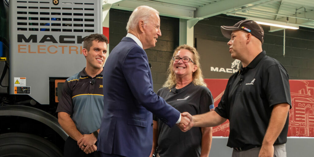 President-Biden-Visits-Mack-LVO-Facility_3-1400