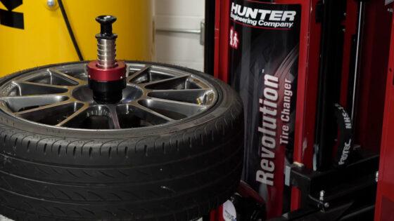 Hunter-Mounting-Tires-1400