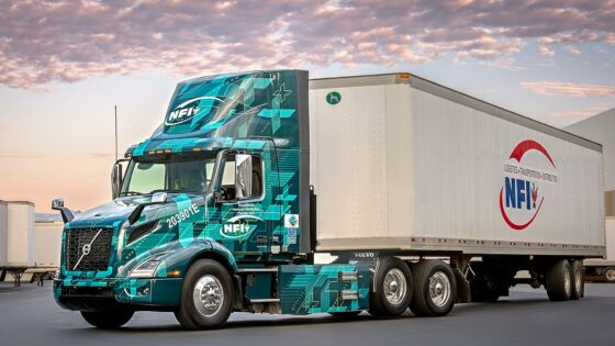 Volvo-Trucks-NFI-NACFE-Run-on-Less-Electric-1400