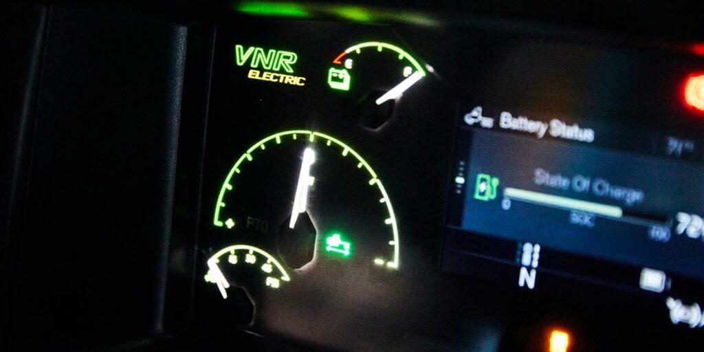 Volvo-VNR-Electric-Remote-Diagnostics-Battery-Monitoring-Dash-Display-1400