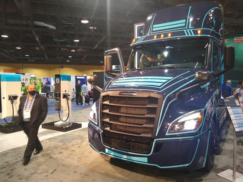 Freightliner-ecascadia-electric-truck