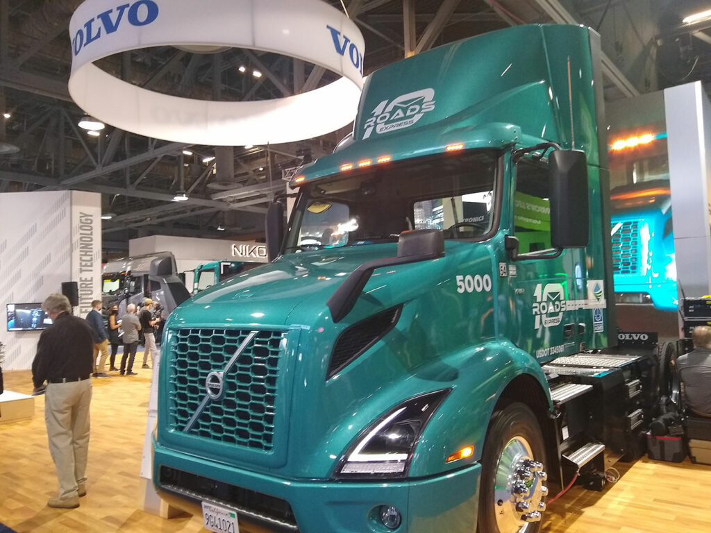 Volvo-VNR-Electric-Truck-ACT