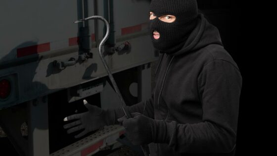 avoid-truck-cargo-theft-1400